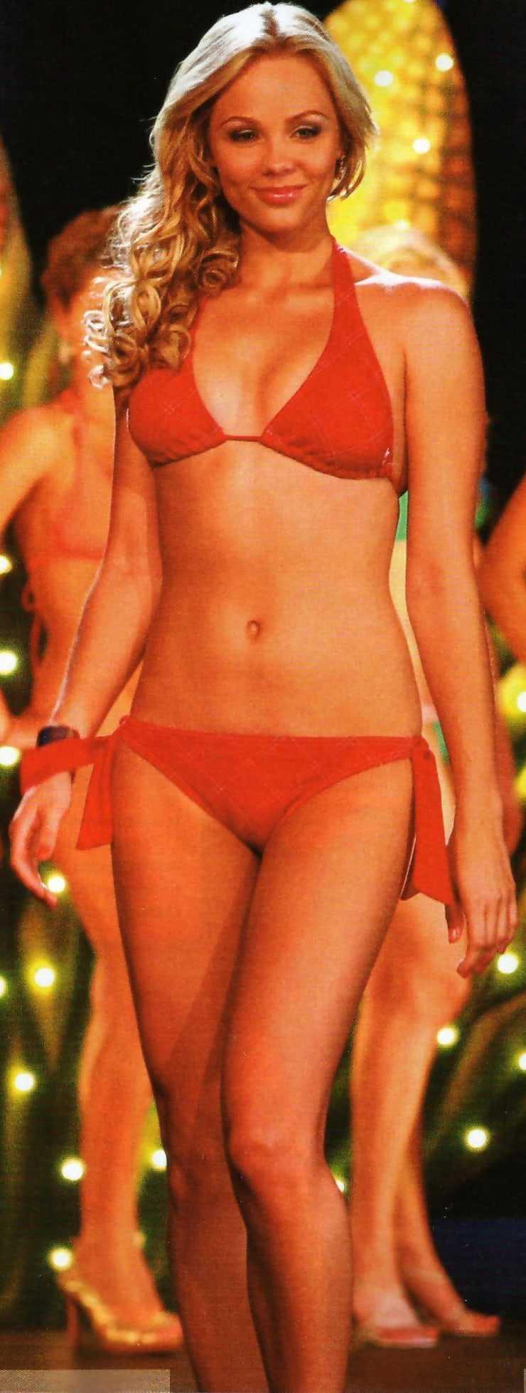 Laura Vandervoort sexy red bikini pics