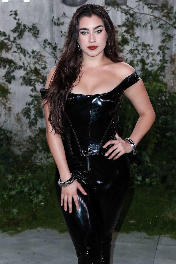 Lauren Jauregui big boobs pics