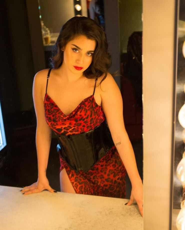 Lauren Jauregui hot pictures