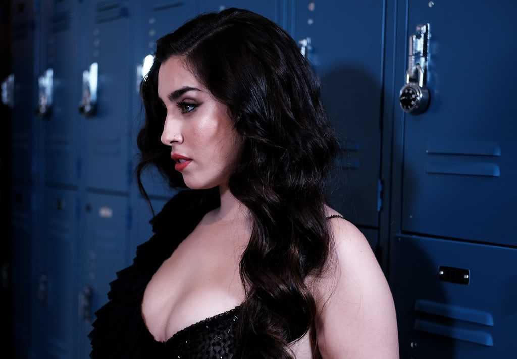 Lauren Jauregui hot side boobs pics