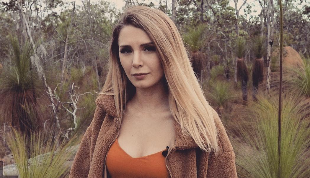 Lauren Southern sexy tits pics
