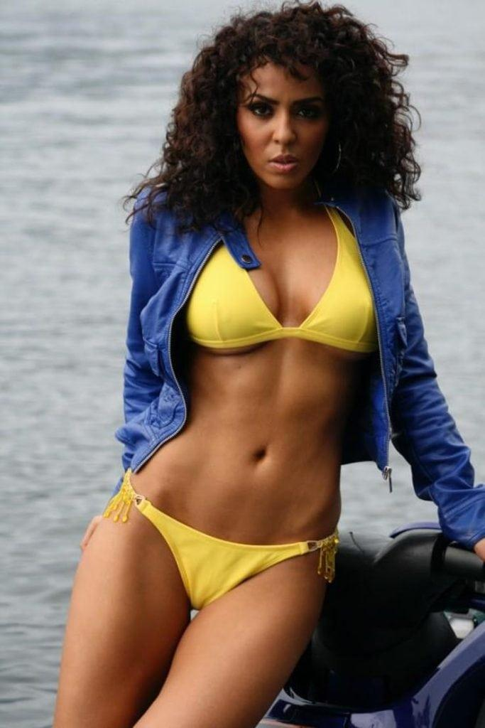Layla hot pictures