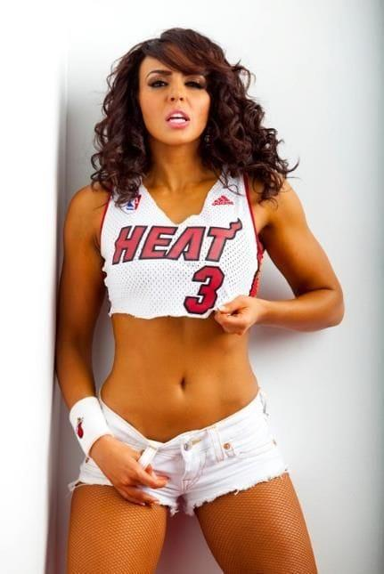 Layla sexy pictures