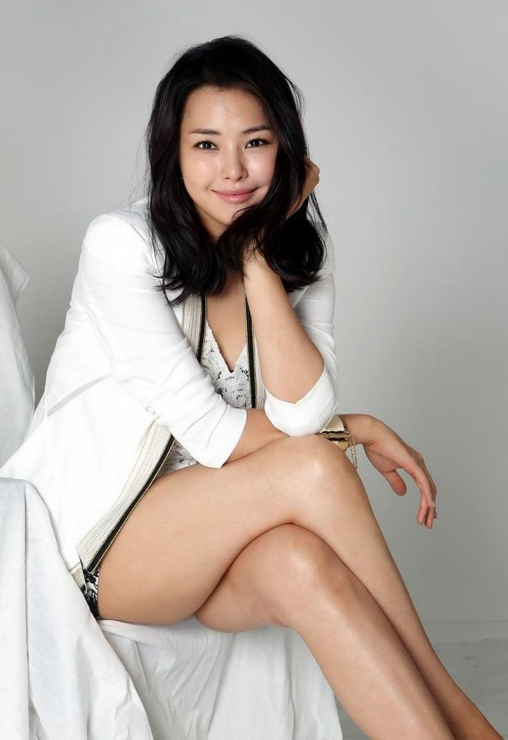 Lee Ha-nui hot legs pics