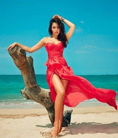 Lee Ha-nui sexy dresss pics