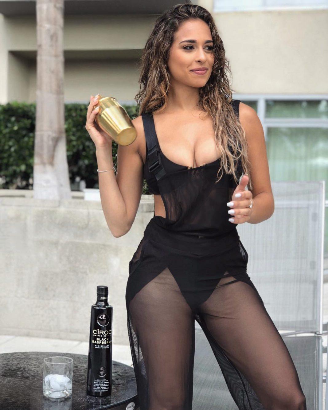 Leli Hernandez  nackt