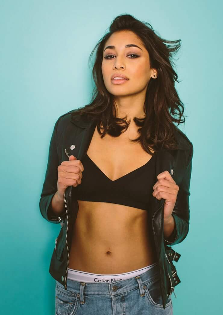 Meaghan Rath sexy cleavage pics