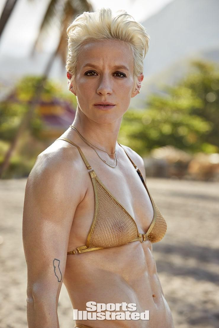 51 Hottest Megan Rapinoe Boobs Pictures A Visual Treat To Make