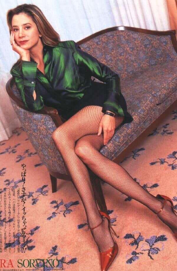 Mira Sorvino big thigh pics