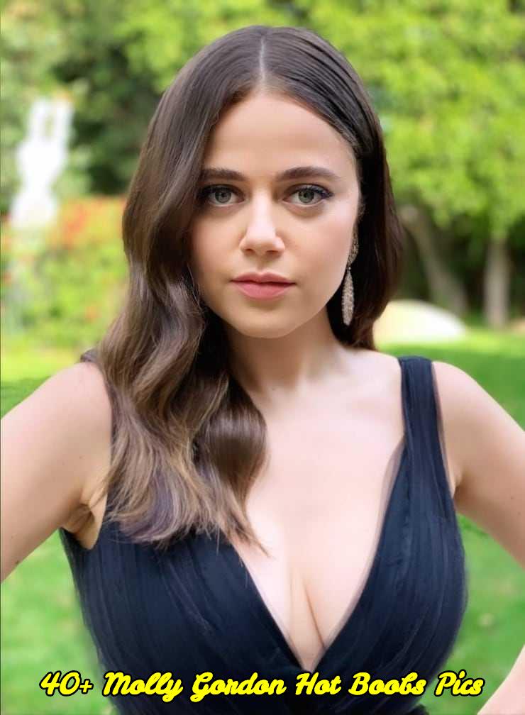 Molly Gordon hot boobs pics