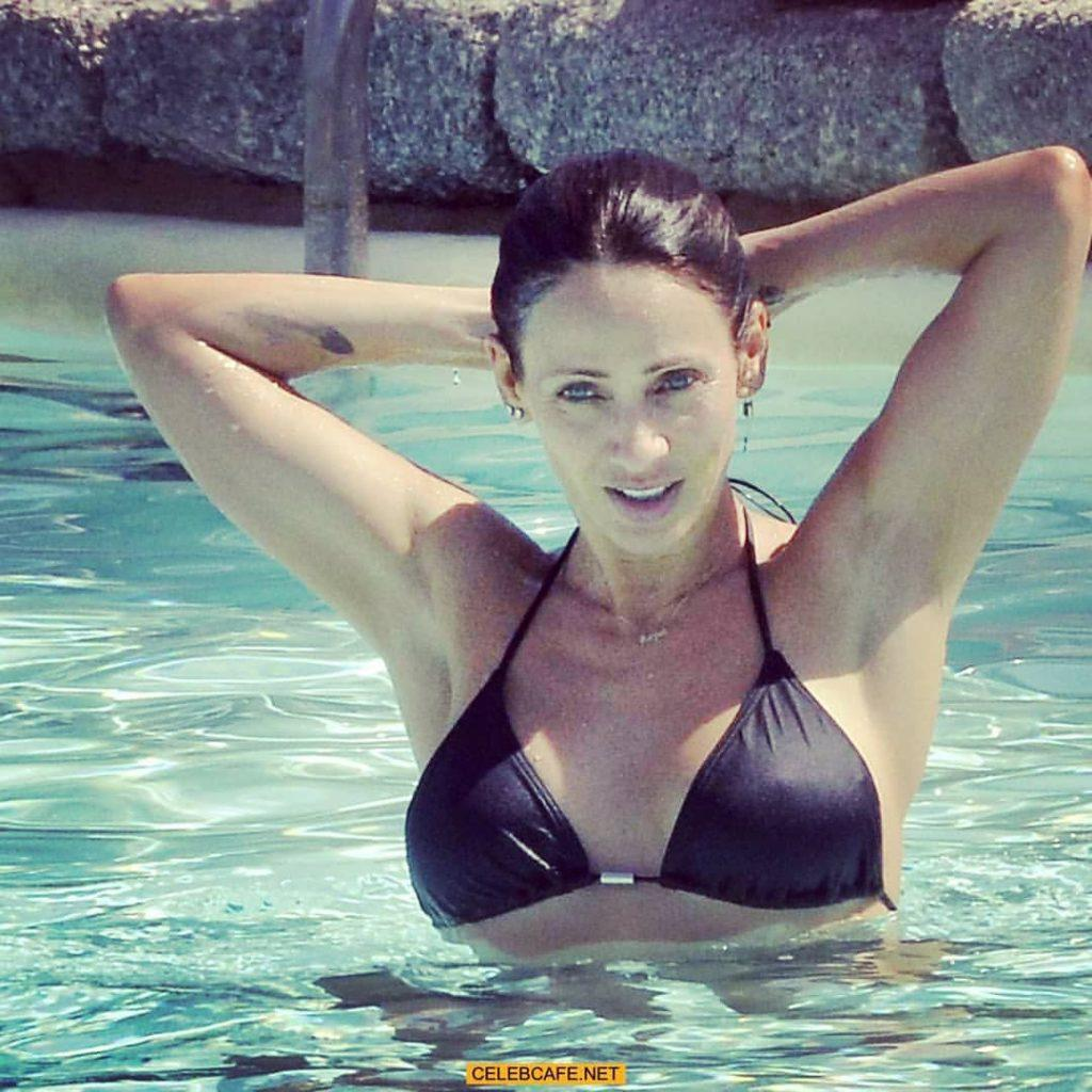 Natalie Imbruglia sexy boobs pictures