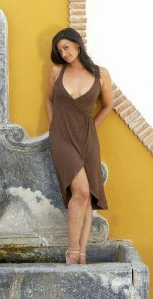 Natalie J. Robb hot looks pics