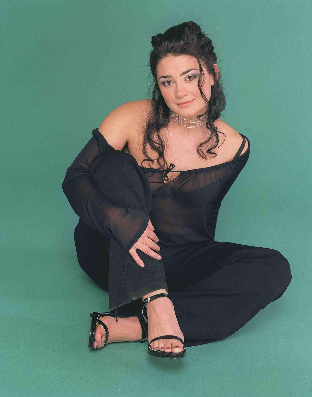 Natalie J. Robb sexy feet pics