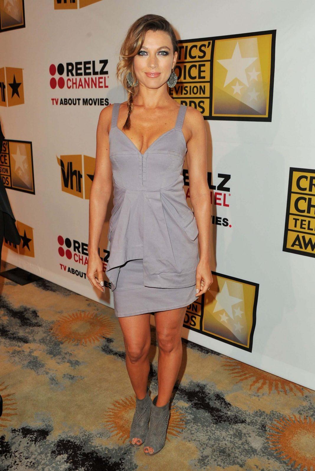 Natalie Zea hot look pictures