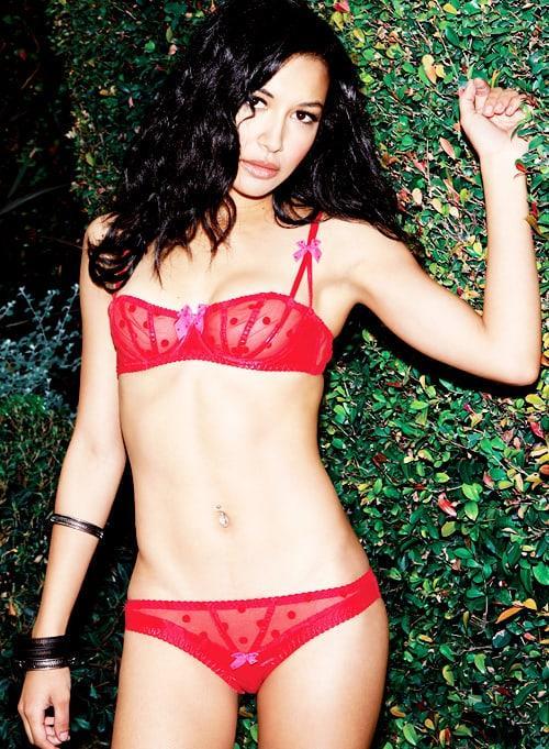 Naya Rivera hot cleavage (1)