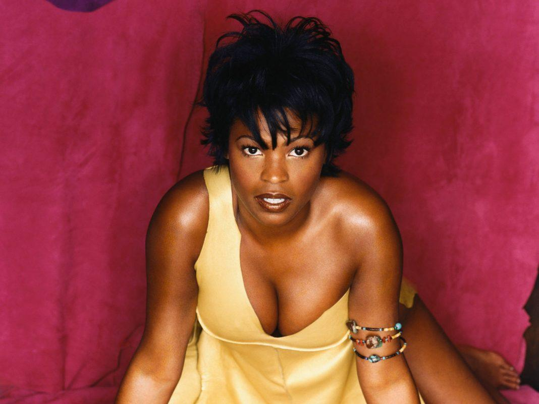 Nia Long cleavage pictures