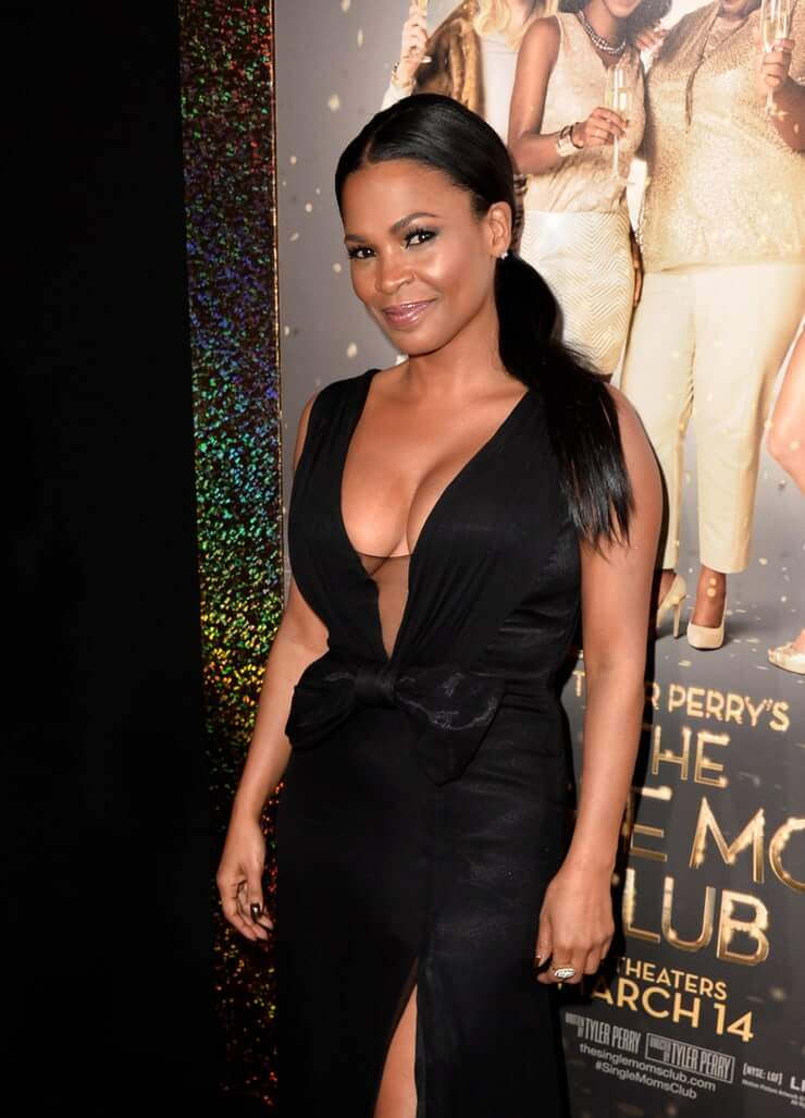Nia Long sexy side boobs pictures