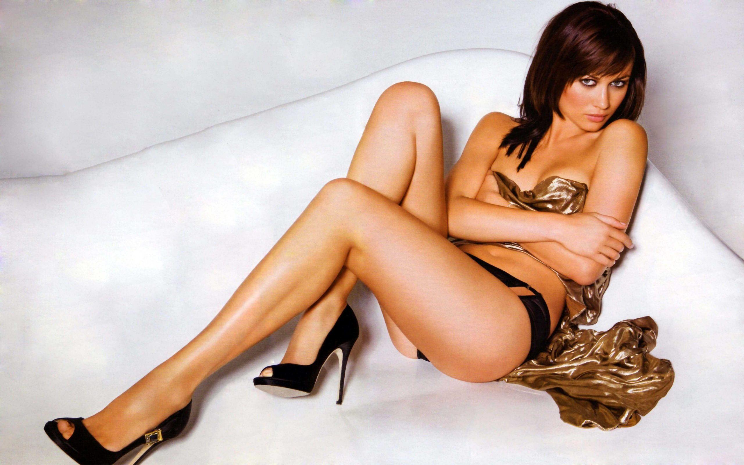 Olga Kurylenko sexy look pics (2)