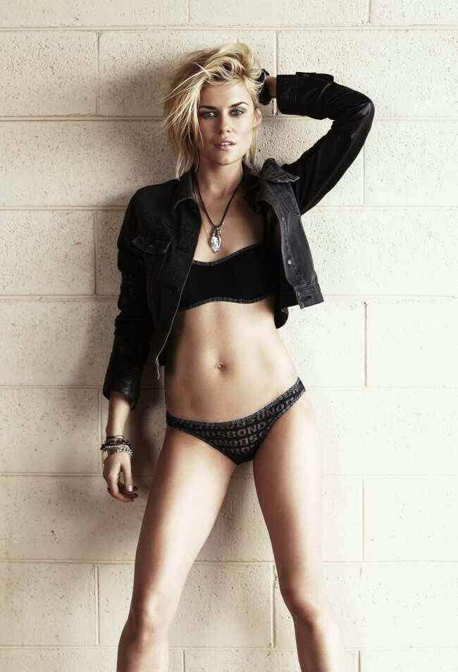 Rachael Taylor hot pics