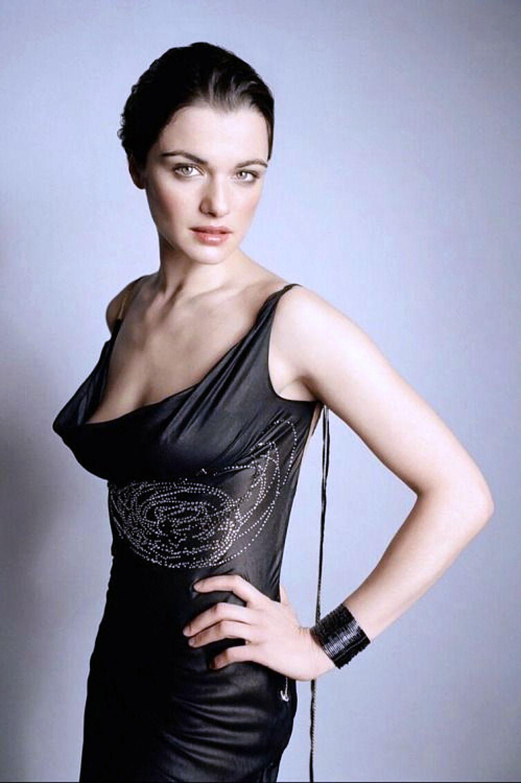 Rachel Weisz cleavage photos