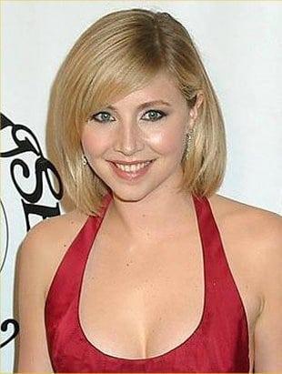 Sarah Chalke big boobs (1)