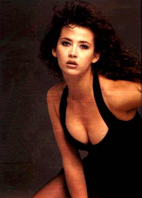 Sophie Marceau cleavage pictures
