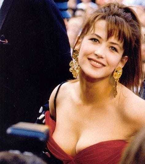 Sophie Marceau sexy boobs pics