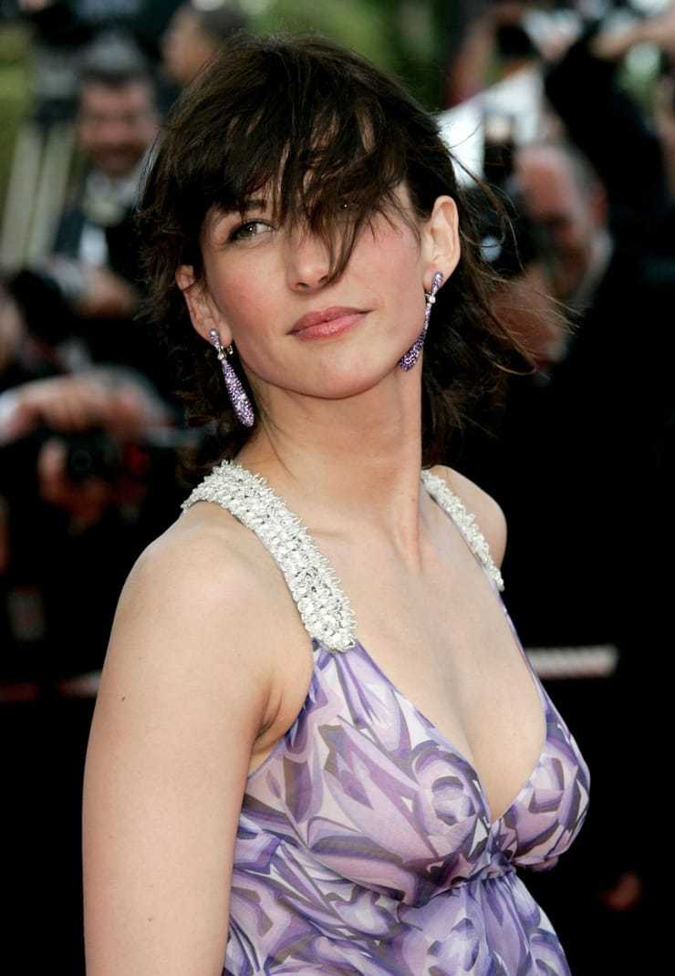 Sophie Marceau sexy side boobs pictures (2)