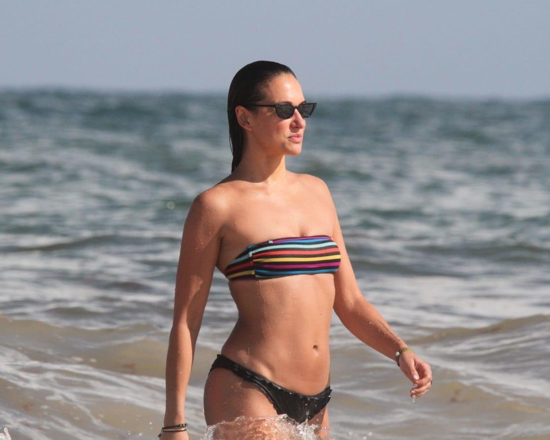 Tasya Teles bikini pics (2)