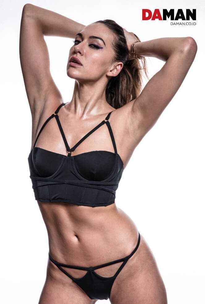 Tasya Teles lingerie pics