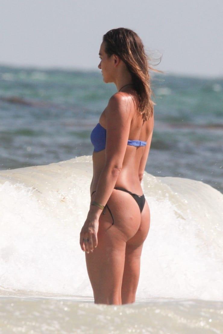 Tasya Teles sexy ass pics