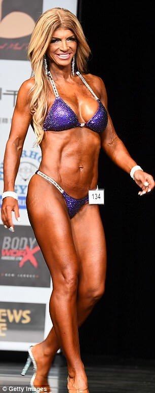 Teresa Giudice hot looks pics