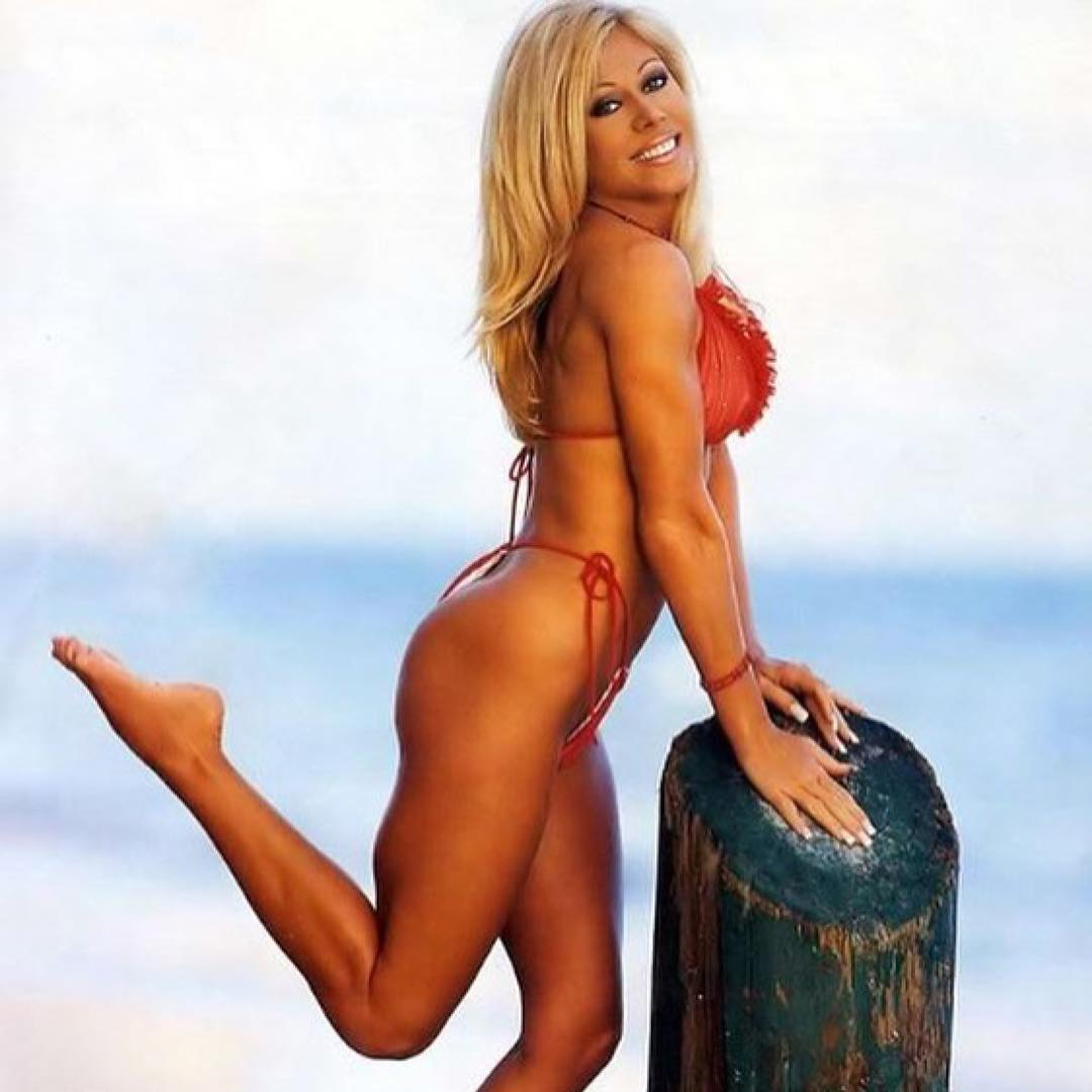 Terri Runnels sexy side butt pics