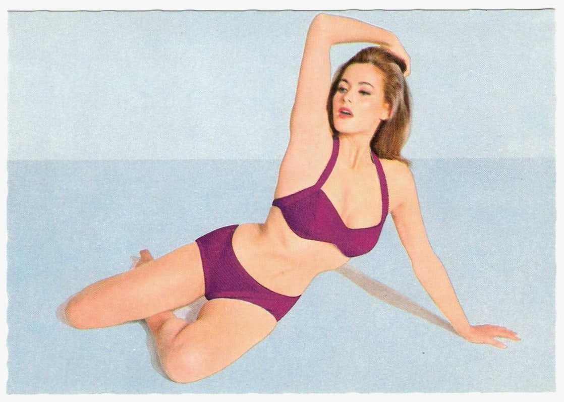 Ursula Andress bikini pictures