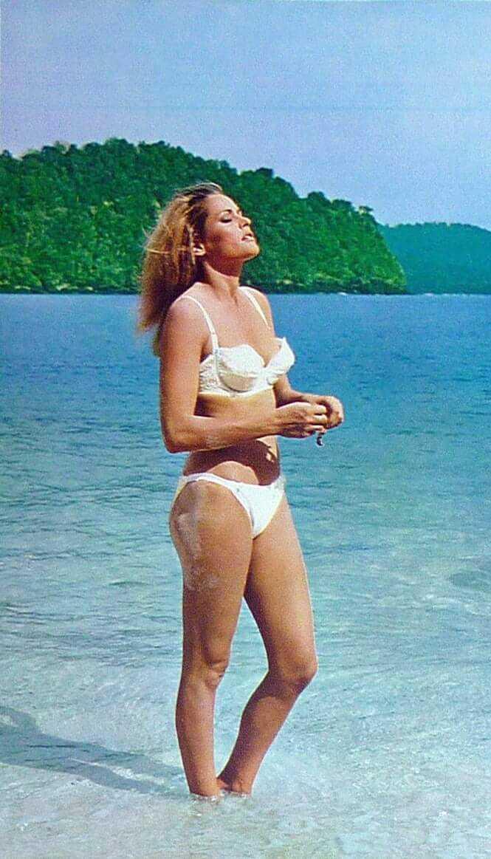 Ursula Andress hot bikini pics
