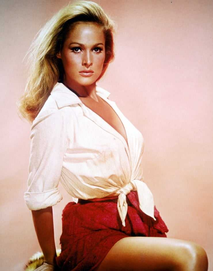 Ursula Andress hot pictures