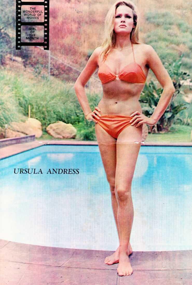 Ursula Andress sexy bikini pictures