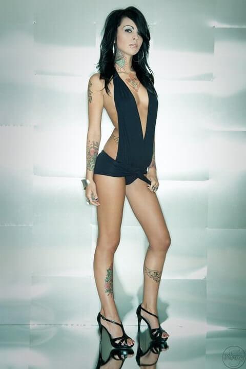 Zahra Schreiber sexy lingerie pics