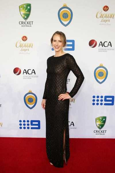 ellyse perry red carpet