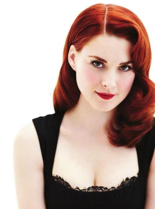 Alexandra Breckenridge hot boobs pics sexy photo (1)