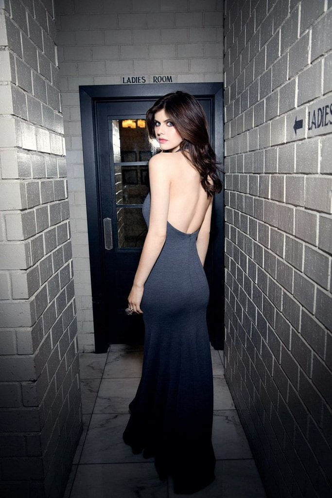 Alexandra Daddario ass (1)