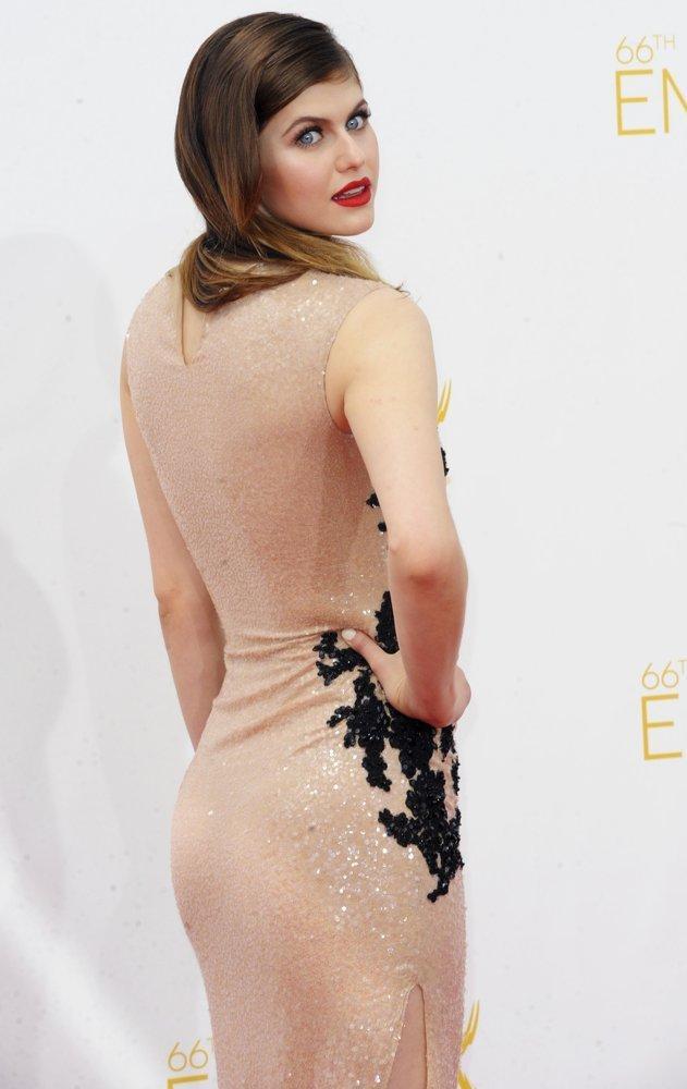 Alexandra Daddario butt (2)