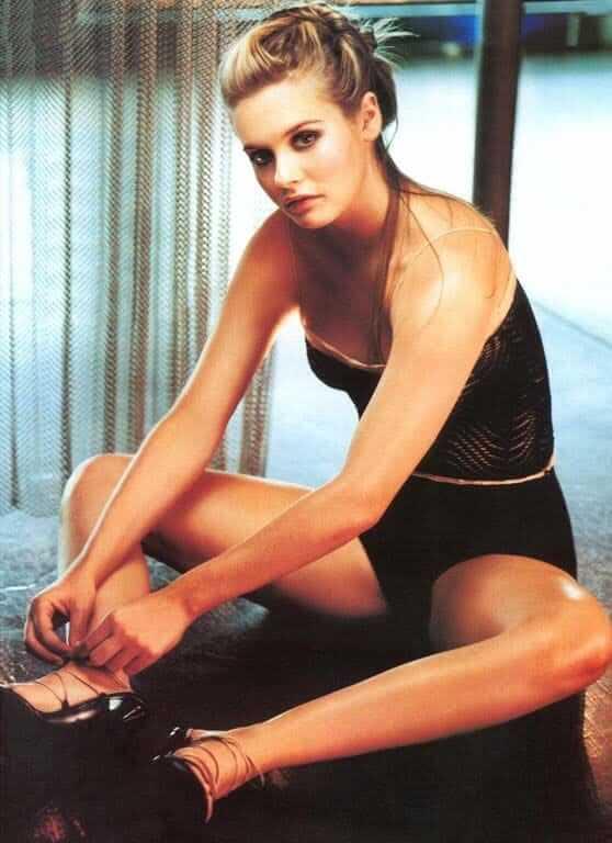Alicia Silverstone sexy pic
