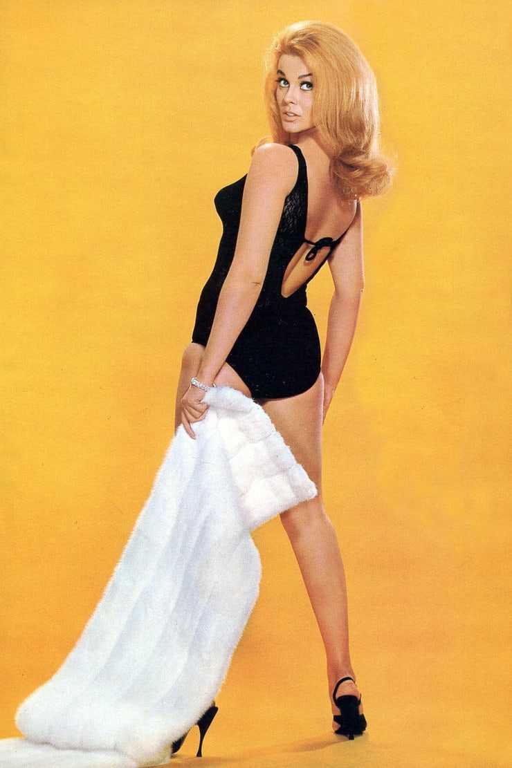 Ann-Margret hot butt pics