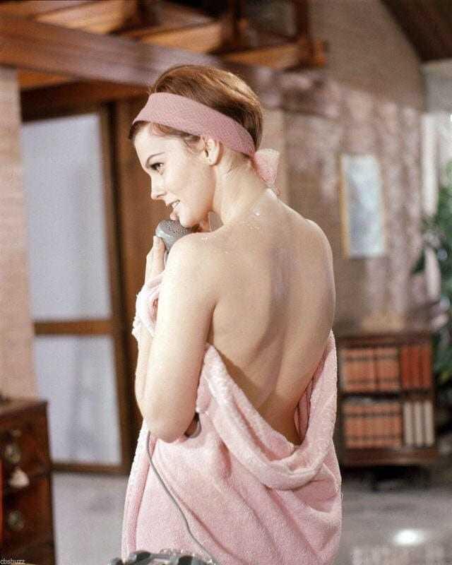 Ann-Margret sexy back pics