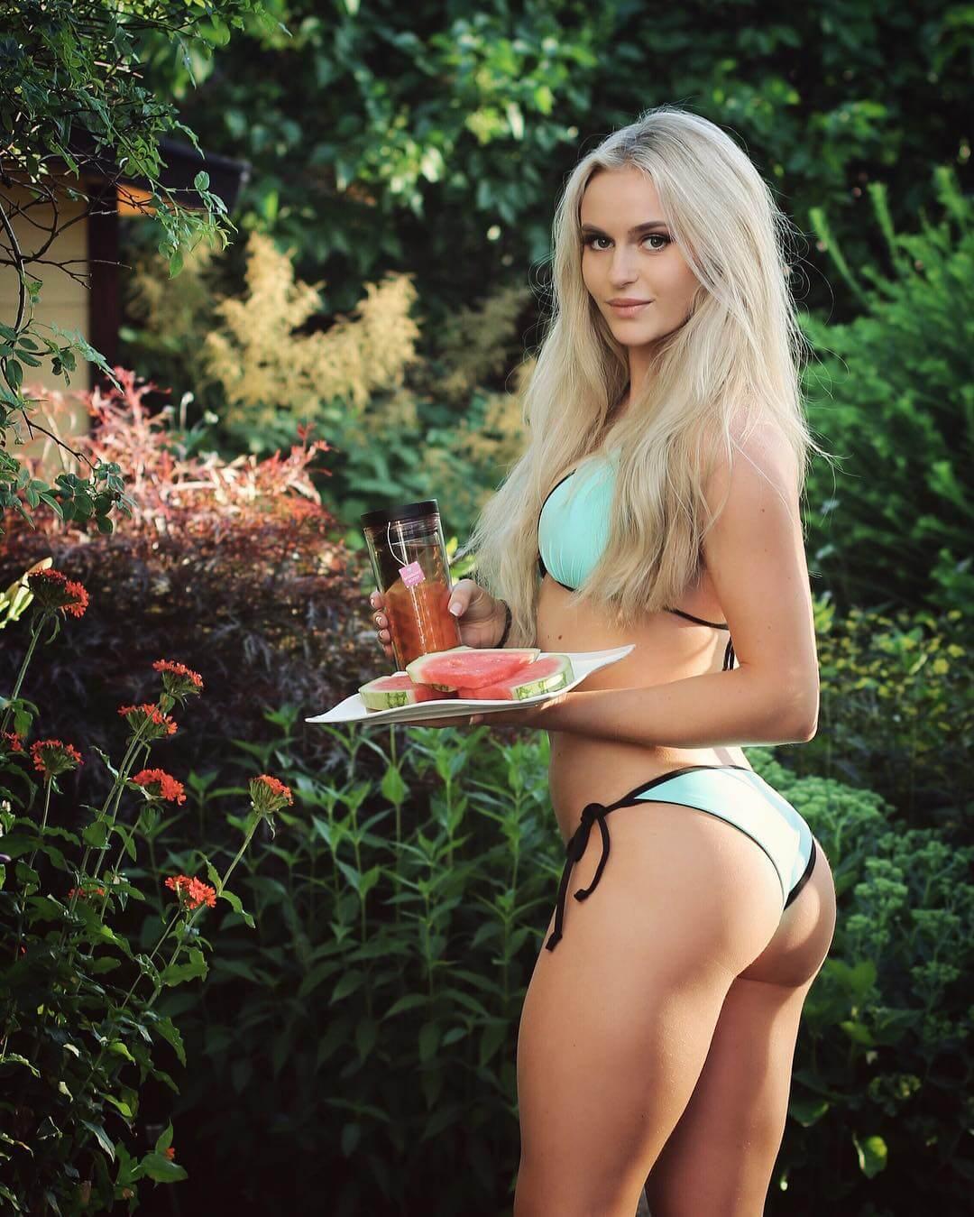 Anna Nyström sexy ass pics