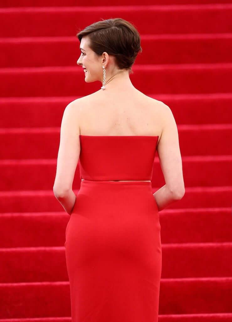 Anne Hathaway ass (1)