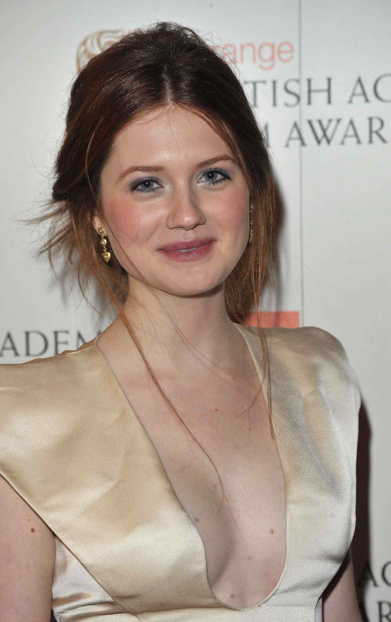 Bonnie Wright hot cleavage