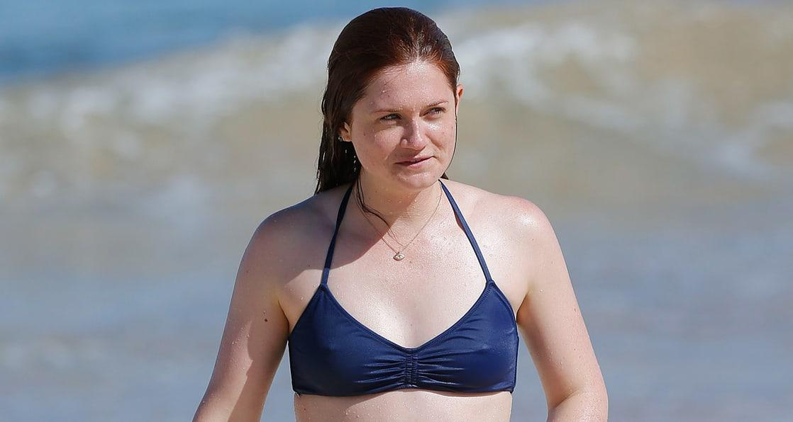 Bonnie Wright sexy look