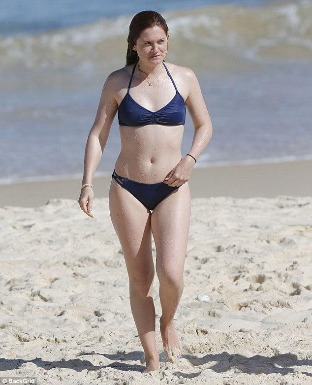 Bonnie Wright sexy pic